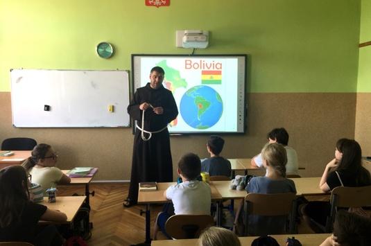 Spotkanie z misjonarzem na lekcjach religii