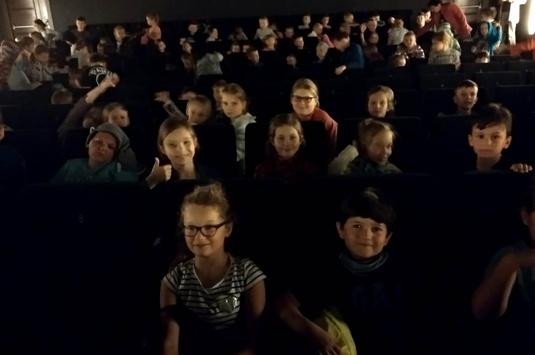 Wyjazd uczniów do kina
